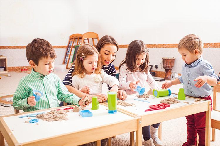 Berufliche Schule Paula Fuerst der FAWZ gGmbH_Ausbildung Erzieher_Im Praktikum mit Kindern