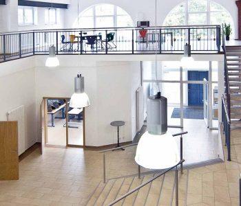 Berufliche Schule Paula Frst der FAWZ gGmbH_Header_Modernes Gebaeude mit berufsorientierter Ausstattung